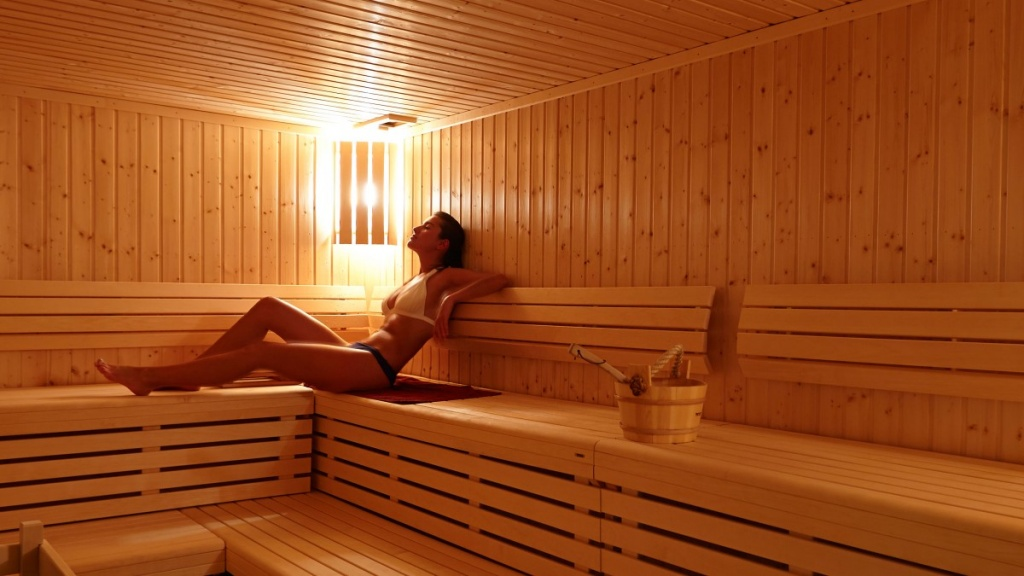 Surprising-Health-Benefits-of-Sauna-Baths-jpg.jpg